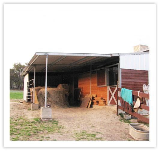 Horse Barns: Triton Horse Barn